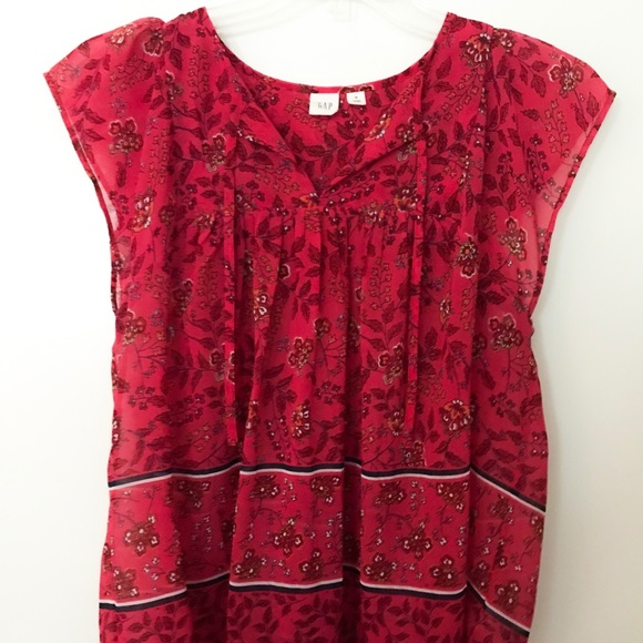 GAP Tops - GAP Pink floral top with front ties